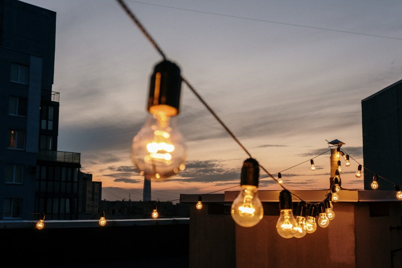 Viseče svetilke za vrt – kako izbrati?