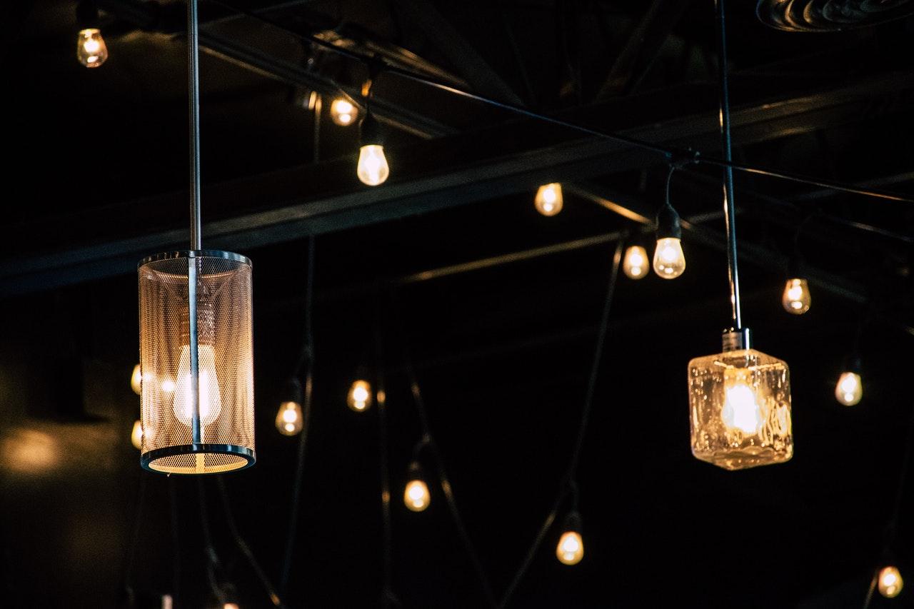 Viseče svetilke za vrt - kako izbrati?