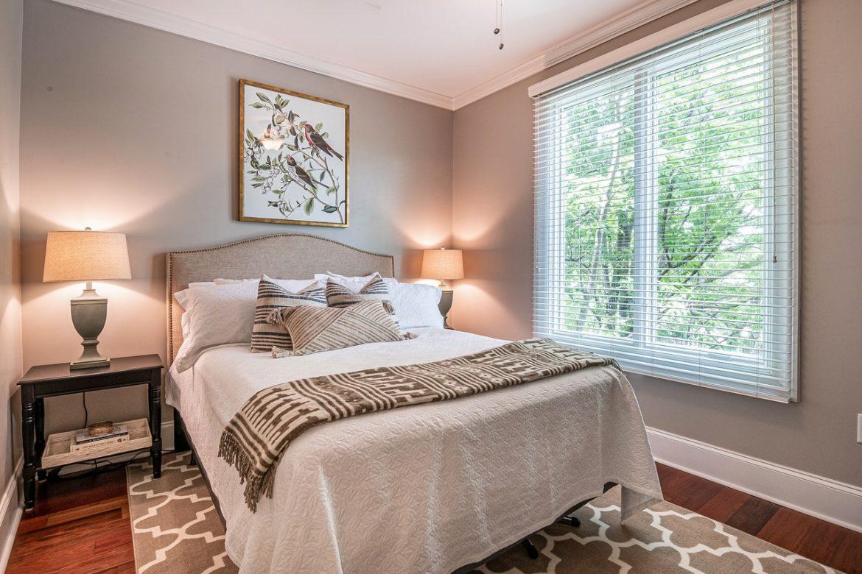 Zakonska postelja – kaj je treba upoštevati pri izbiri?